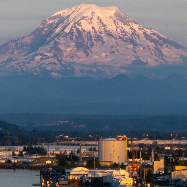 Image of Seattle with Mt. Rainer in background